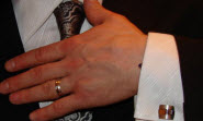 Celebrity wearing AtlanticEngraving / GravureCommitment ring: Saku Koivu